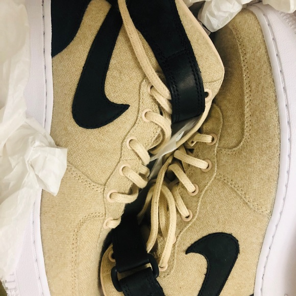 NEW DS NIKE WOMENS AIR FORCE 1 07 PREMIUM LEATHER NWT